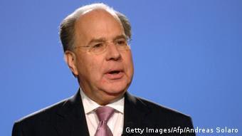 Ο Ούριελ Σάρεφ, παλαιότερα εκτελεστικός αντιπρόεδρος της Siemens, καλείται να λογοδοτήσει για τα μαύρα ταμεία.
