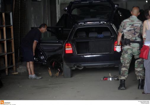 Κόρινθος: Το αυτοκίνητο που παράτησαν στην εθνική οδό έκρυβε ''ένοχα'' μυστικά που ξεσκεπάστηκαν!