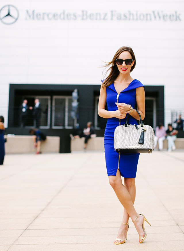 Sydne-Style-blue-dress-new-york-fashion-week-street-style-ted-baker-zipper-trend-red-lips-mercedes-benz-lincoln-center-