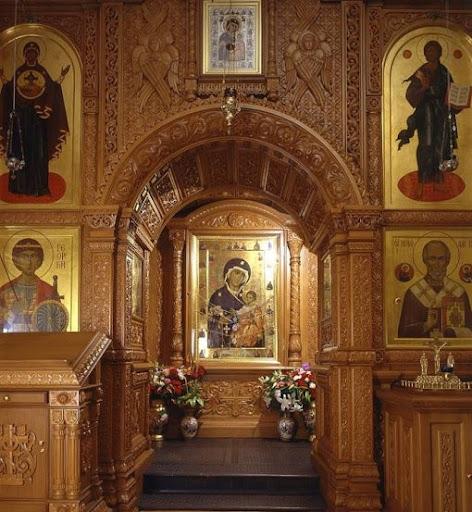 Храм Живоначальной Троицы на Воробьёвых горах -