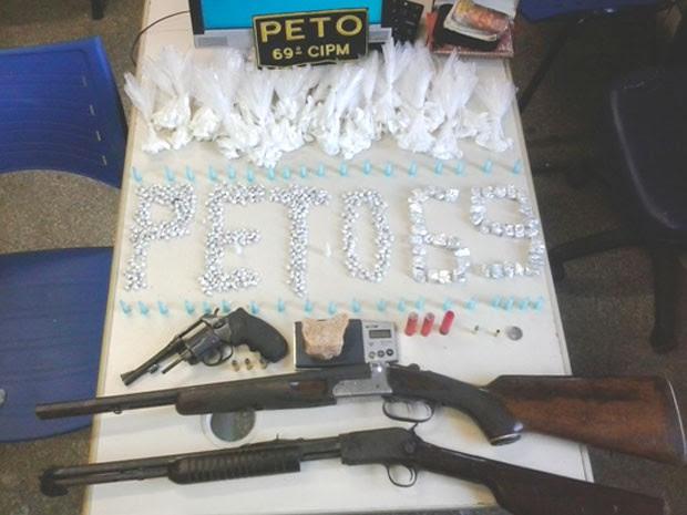 Drogas apreendidas em Ilhéus, na Bahia (Foto: Divulgação/PM)