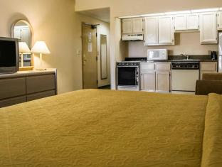 Quality Inn & Suites Golf Resort Naples (FL)