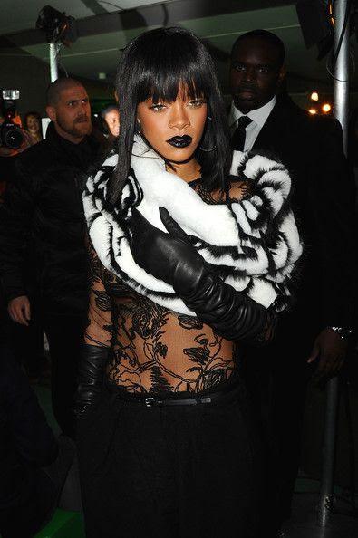 photo RihannaJeanPaulGaultierFrontRowParisgMkqSPcRRk4l.jpg