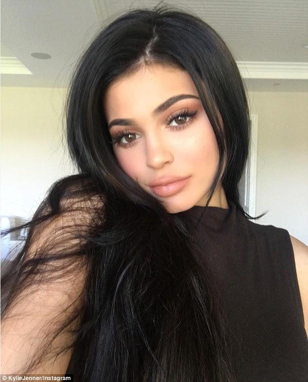 Empreendedor: A filha mais nova de Kris Jenner é ajustado para abrir sua primeira pop up loja
