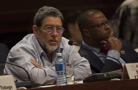 Ralph Gonsalves interviene en la VII Cumbre de la Asociación de Estados del Caribe. Foto: Ismael Francisco/ Cubadebate