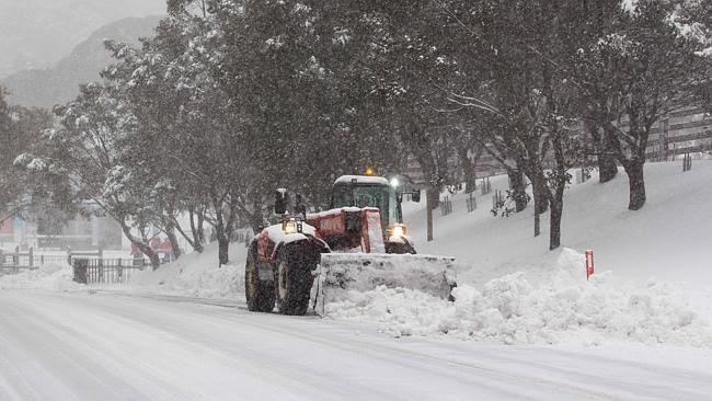 Le chaos climatique - records de chaleur et records de froid .