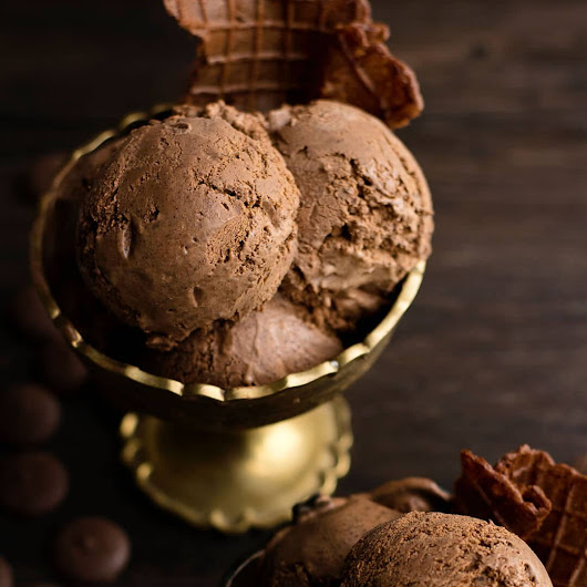 Chocolate Ganache Ice Cream - 13 more chocolate ice cream treats | Ashlee Marie - real fun with real food