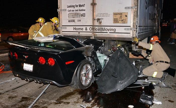 Cuidado, pois as imagens a seguir são chocantes. No início do mês, um motorista colidiu seu Chevrolet Corvette Z06 contra a traseira de um caminhão.  Àpri...