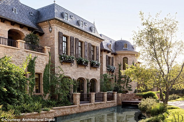 Supermodel Gisele Bundchen and New England Patriots quarterback Tom Brady had a moat included as part of their $20 million French-style estate in Brentwood, California