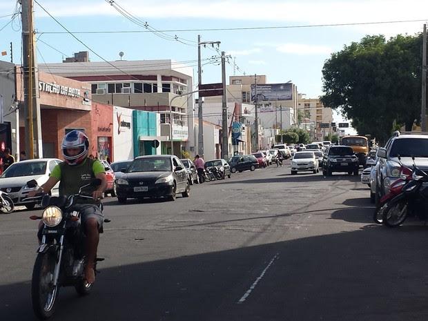Avenida Guararapes receberá faixa reversível exlusiva para ônibus e ciclistas (Foto: Isa Mendes/ TV Grande Rio)