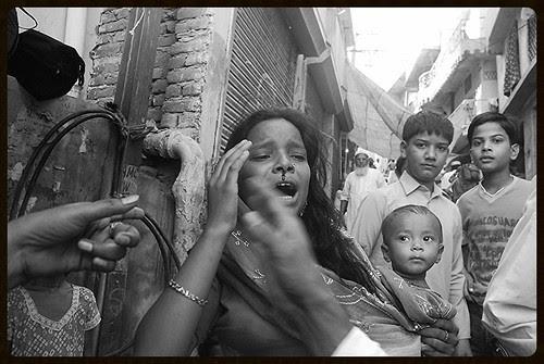 Hindustani Aurat  Ek Zinda Lash Hai by firoze shakir photographerno1