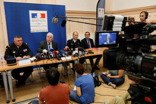 Conférence de presse du général de la gendarmerie nationale Olivier Kim, du procureur de Dijon Jean-Jacques Bosc et du colonel Dominique Lambert, le 15 juin.