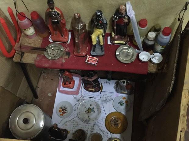 Objetos usados na tortura foram encontrados na casa dos tios presos  (Foto: Divulgação/ Polícia Civil de MS)