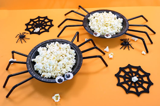 Easy Spider Halloween Treat Bowl - That's What {Che} Said...