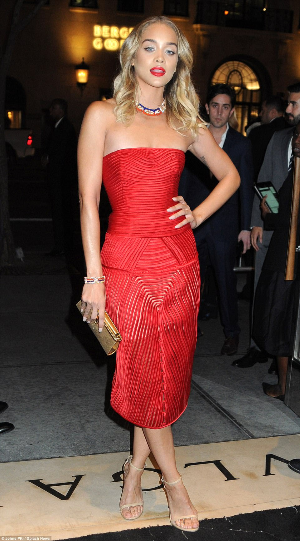 Chic: The blonde bombshell was a vision of beauty as she pulled a variety of poses at the venue