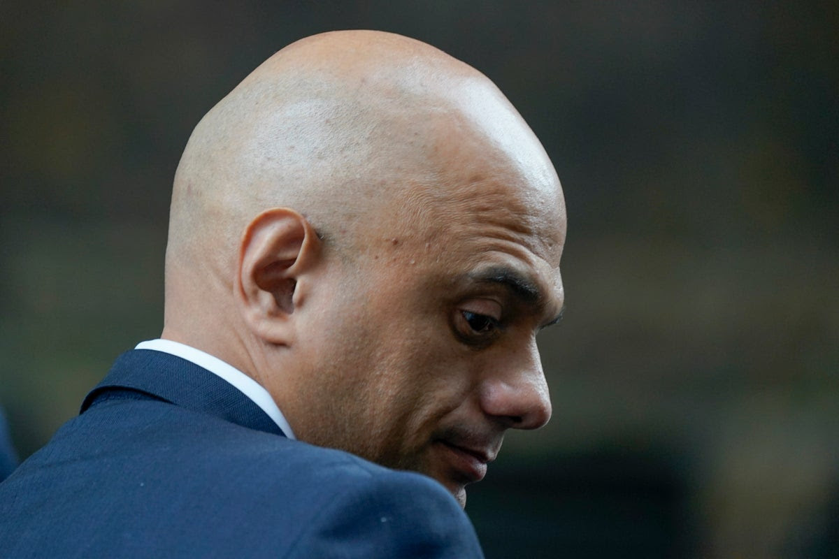 Doctors condemn 'shocking' Sajid Javid for saying ministers do not need face-masks in cabinet
