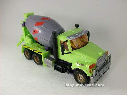 Transformers Mixmaster RotF Voyager (G1 deco) - modo alterno