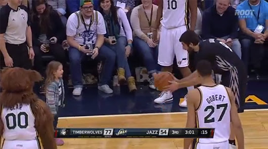 Adorable alert: Wolves' Ricky Rubio plays catch with little girl during stoppage in play (Video)