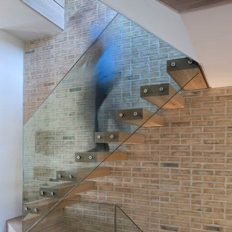 The Benefits of Incorporating Glass Balustrades In Your Home Design