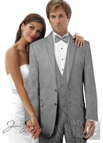 Best 25  Grey tuxedo ideas on Pinterest   Fall groomsmen