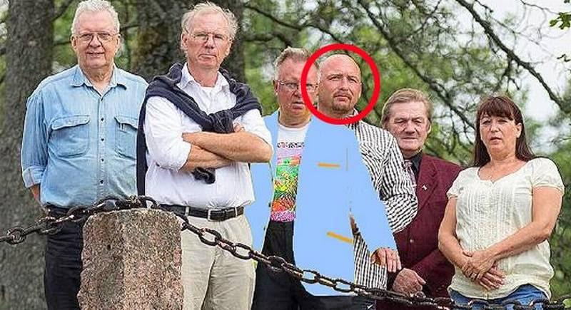 Micael Persson, narkodømt eks-Bandidos, ses her (i den røde cirkel) sammen med andre medlemmer af Sverigedemokraterna fra den llille by Svendljunga. (Pr-foto)