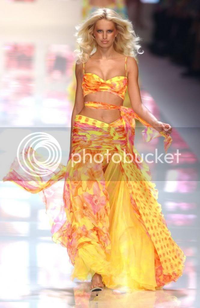 photo KK-Paris_VersaceSpring2002_zps5b8c80f4.jpg