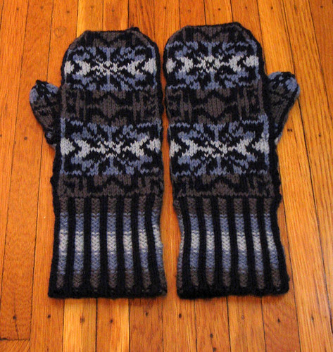 White Witch Mitts from Interweave Knits Spring 2008