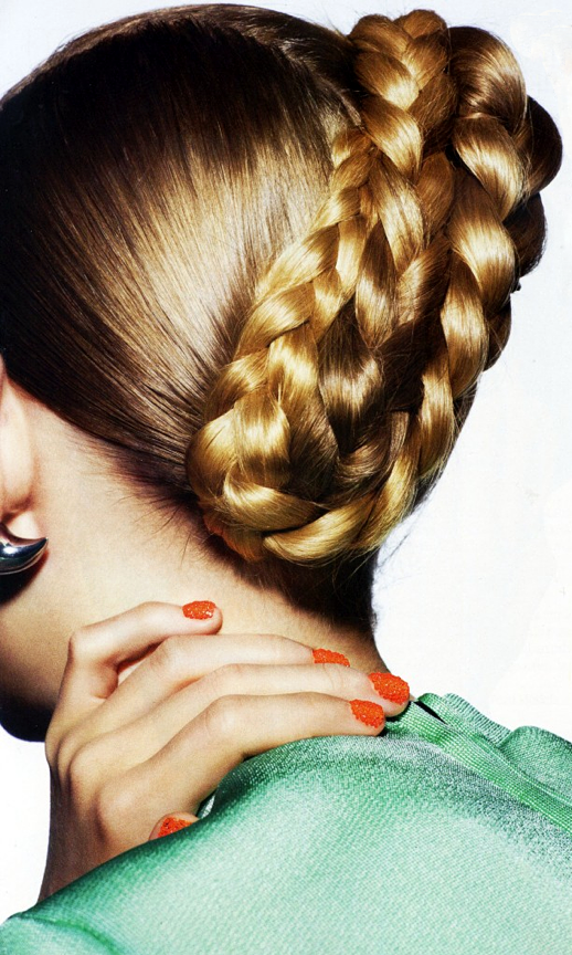 LE FASHION BLOG BEAUTY EDITORIAL TEEN VOGUE BRIGHT EMBELLISHED 3D NAILS NAIL ART MANICURE ORANGE BRAIDS BUNS MINT GREEN SWEATER HORN SPIKE EARRING nail caviar