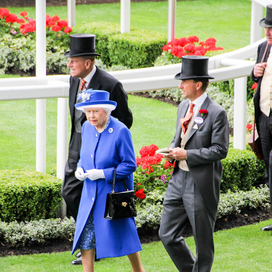 THE QUEEN'S 90TH BIRTHDAY AND HER FAVOURITE JEWELS, THE ROYAL ASCOT - Gemologue