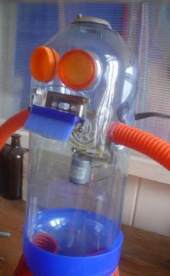 Juguetes reciclados: de mis favoritaaas… los robots!!!