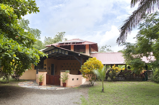 1.25 ACRES - 2 Bedroom Home in Titled Property Near Beach!! - Costa Rica Real Estate