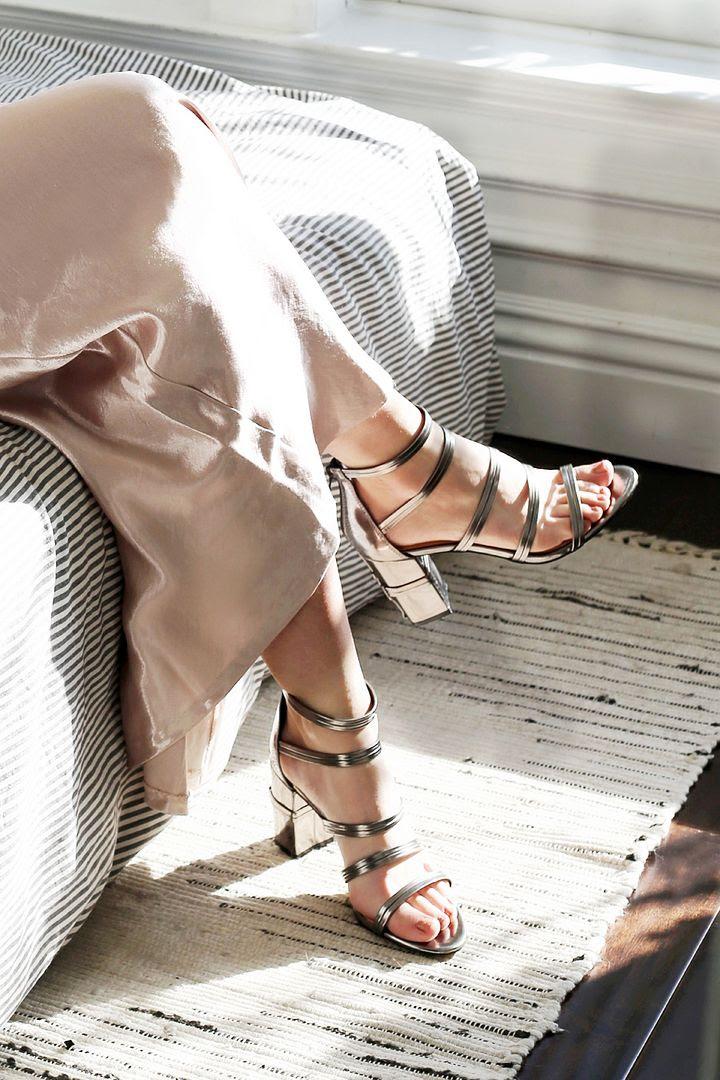 New Years Eve Party Outfit Ideas Lauren Conrad Pink Silk Slip Dress Zendaya Daya Metallic Heel Sandals Photographer Erin Pederson Model Katie Wohlers Styling Jenn Camp Le Fashion Blog