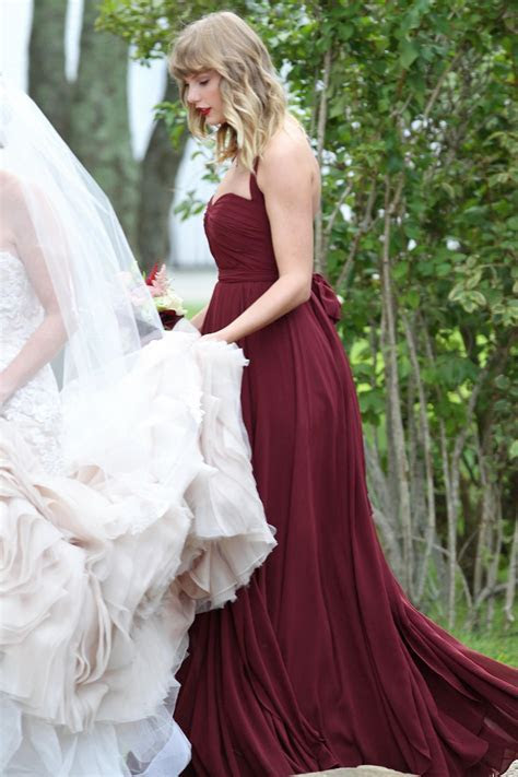 Taylor Swift Serves as Bridesmaid in Abigail Anderson?s