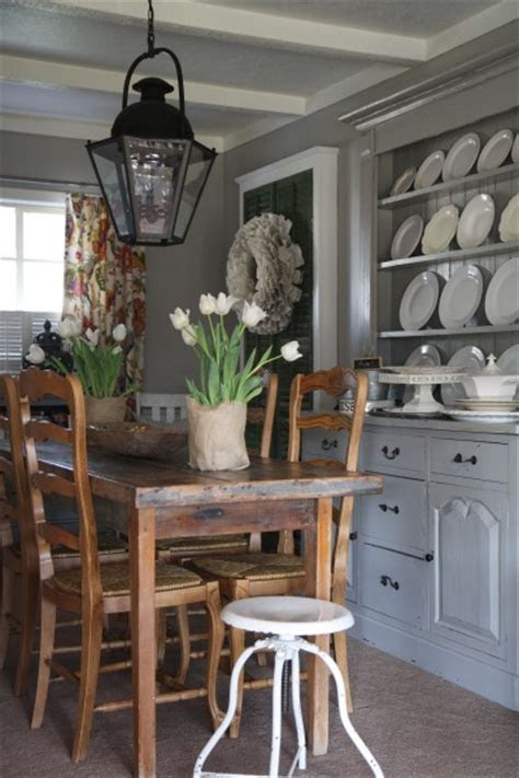 Built In Hutch   Country   dining room   Holly Mathis Interiors