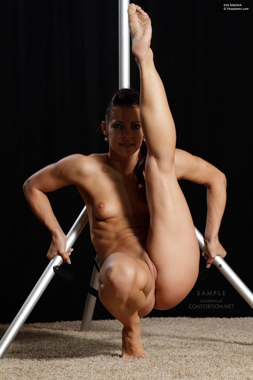 Ebony Female Nude Twerking