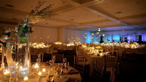 Flowers: 2013 Wedding Trends   Videography Cinematography