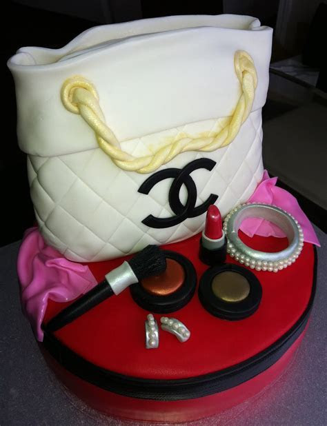 Jocelyn's Wedding Cakes and More .: Chanel Purse Cake