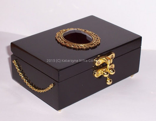Black royal box with red cabochon by Dragonsblow on Etsy
