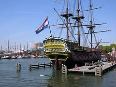 Kapal Kompeni Hindia Timur Belanda di Nederlands Scheep-Vaartmuseum, Amsterdam, Netherlands