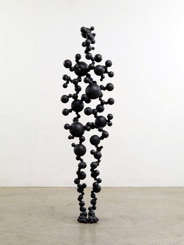 Astonishingly Life-Like Figuratives Sculptures (10)