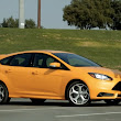 Motor Trend Pits New Ford Focus ST Against VW Golf R - Autobahn Magazine