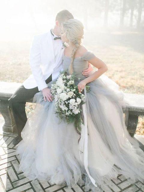 von der Schulter Hochzeits-Kleid für eine nicht-traditionelle Braut, die will einige elegante und zeitlose Farbe