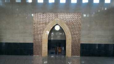 Interior Masjid Hj Sudalmiyah Rais UMS Pabelan (M Ferri Setiawan/JIBI/Solopos)