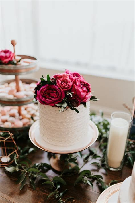 Flower cake topper   Wedding & Party Ideas   100 Layer Cake
