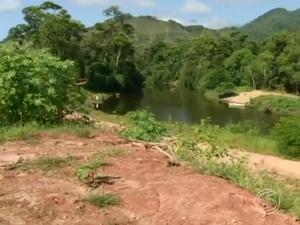 Segundo promotora, obra foi feita sem autorizações (Foto: Reprodução/TV Rio Sul)
