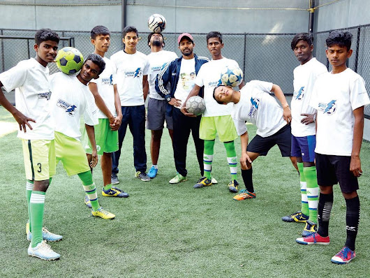 The footie soldiers - Bangalore Mirror -