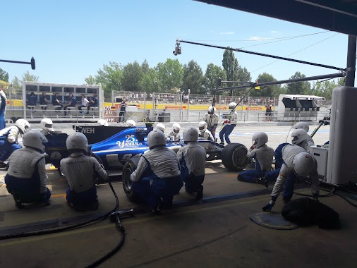 Pit stops: second stop for Marcus, first stop for Pascal during a VSC. Both on medium tyres now, Pascal...