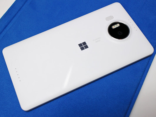 We're giving away a Lumia 950 or 950 XL - Enter now!