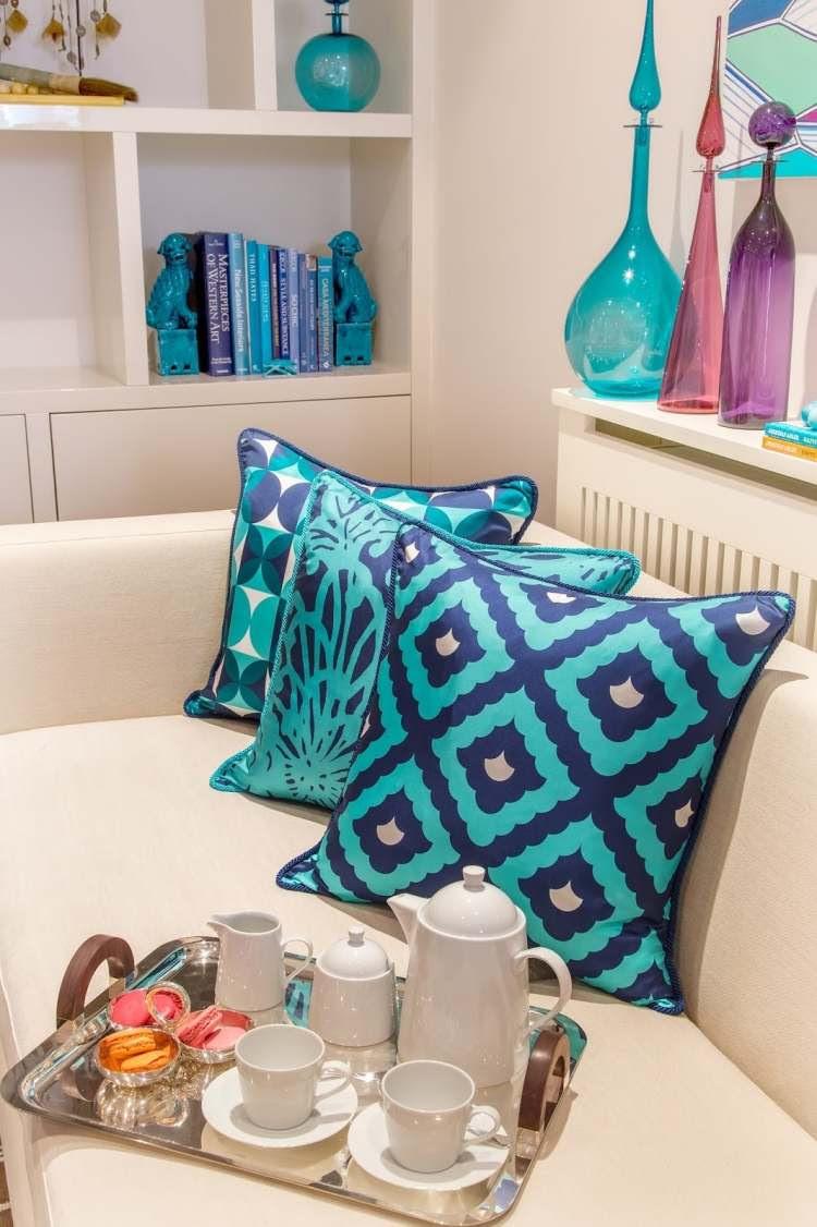 Kissen in Türkis fürs Wohnzimmer - 25 tolle Dekoideen