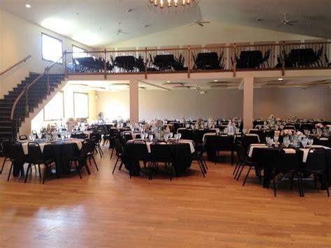 Hidden Lake Winery   Aviston, IL Wedding Venue